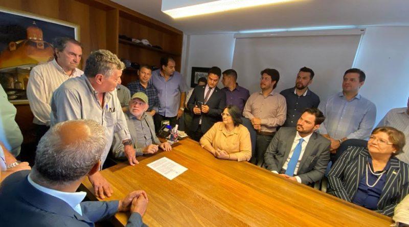 Ministra Damares visita São Carlos e diz que cidade é prioridade em Brasília