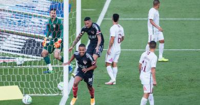 São Paulo vence Fluminense e assume vice-liderança do Brasileirão