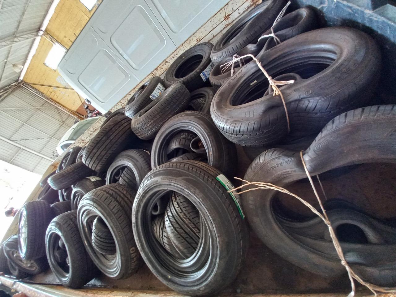 Prefeitura de Ibaté recebe doação de pneus pela Receita Federal